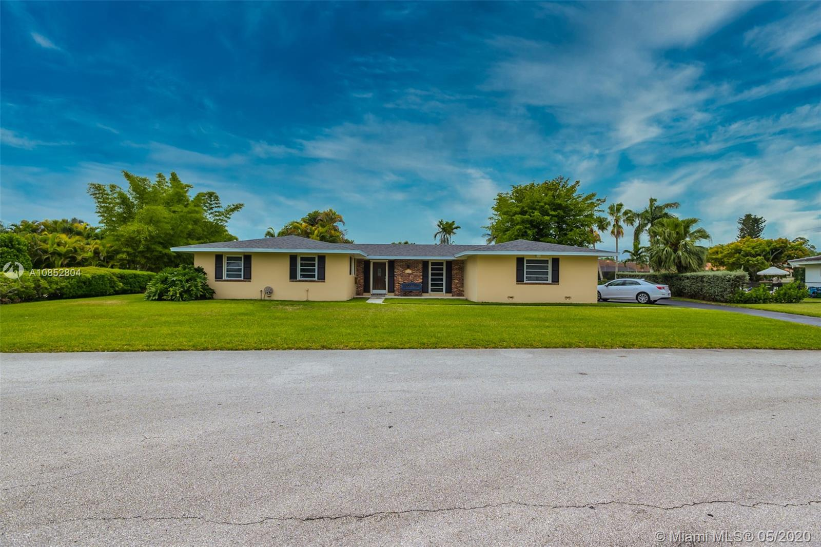 8560 SW 163rd Ter  For Sale A10852804, FL