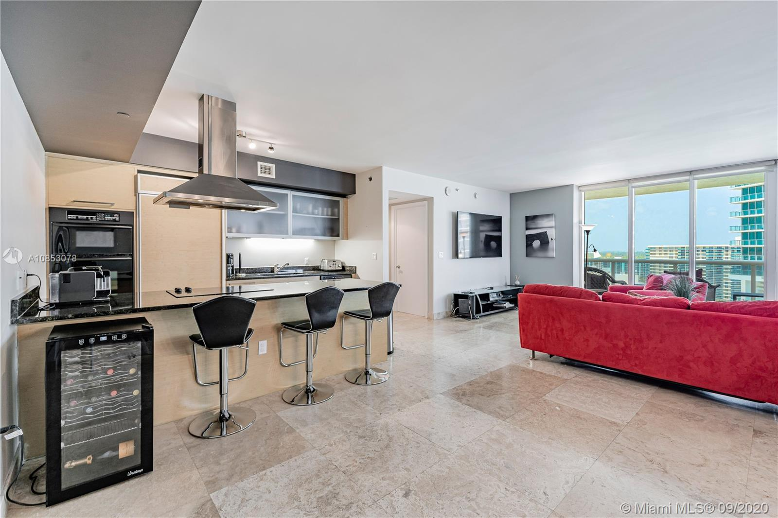 1800 S Ocean Dr #1710(beautiful apartment) For Sale A10853078, FL