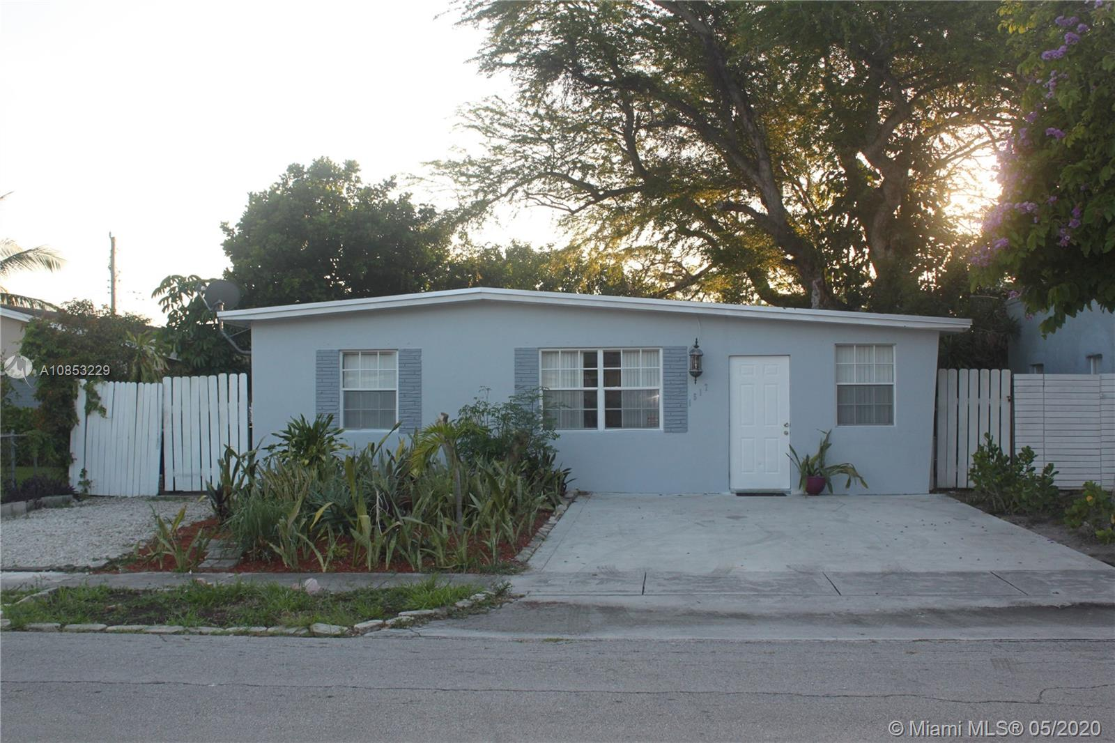 1517 NW 3rd Ave  For Sale A10853229, FL