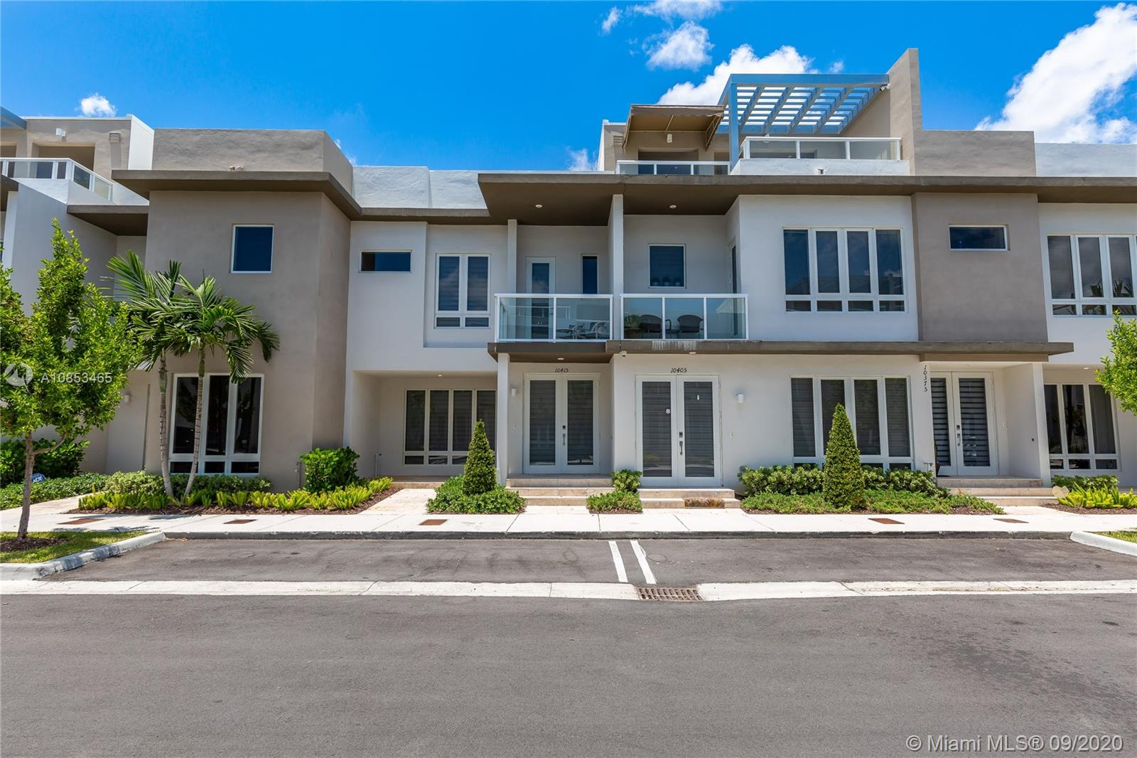10415 NW 63rd Ter  For Sale A10853465, FL