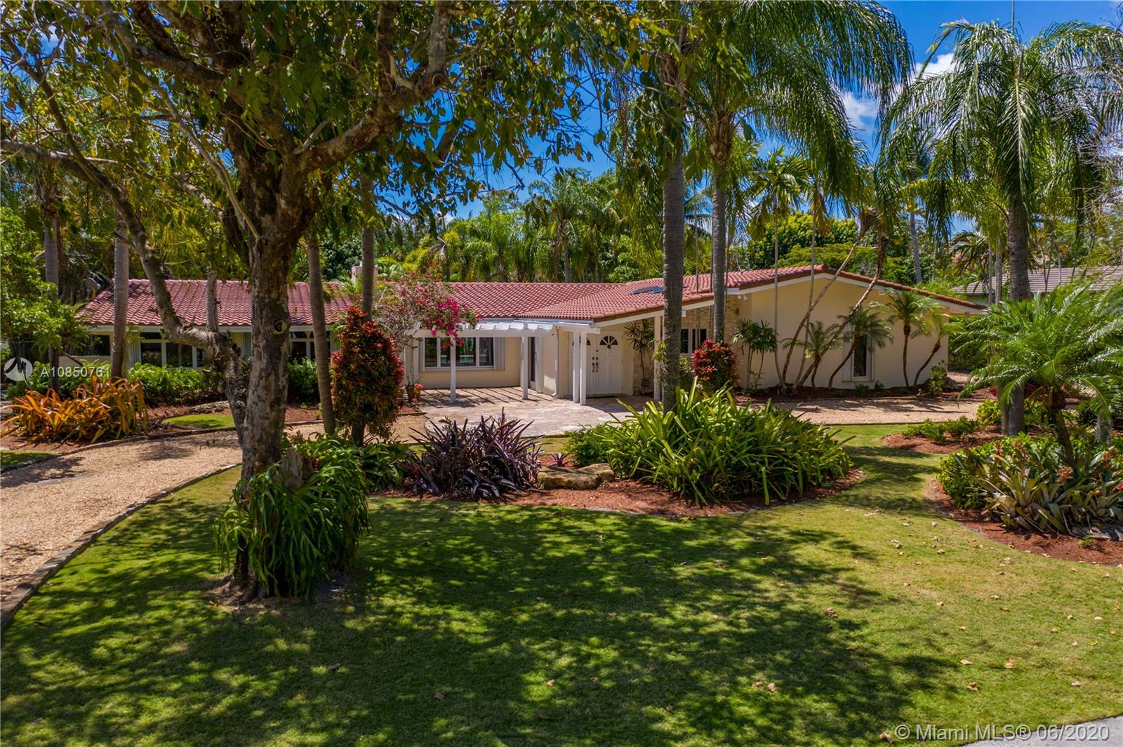 6140 SW 121st St  For Sale A10850761, FL