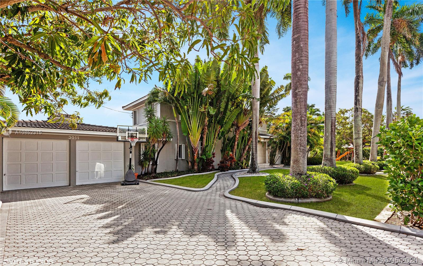 3011  Royal Palm Ave  For Sale A10852315, FL