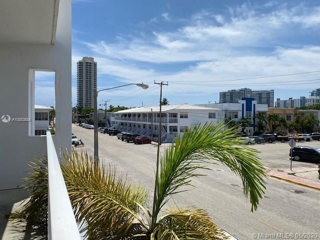 501  74th St #B2 For Sale A10853684, FL