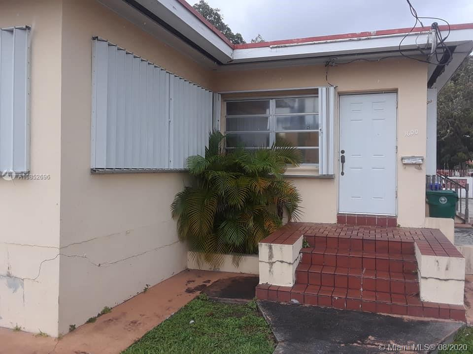 1600 SW 17th Ave  For Sale A10852696, FL
