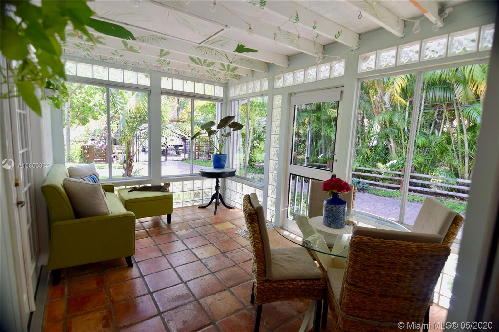 1819 SW 22nd St  For Sale A10853334, FL