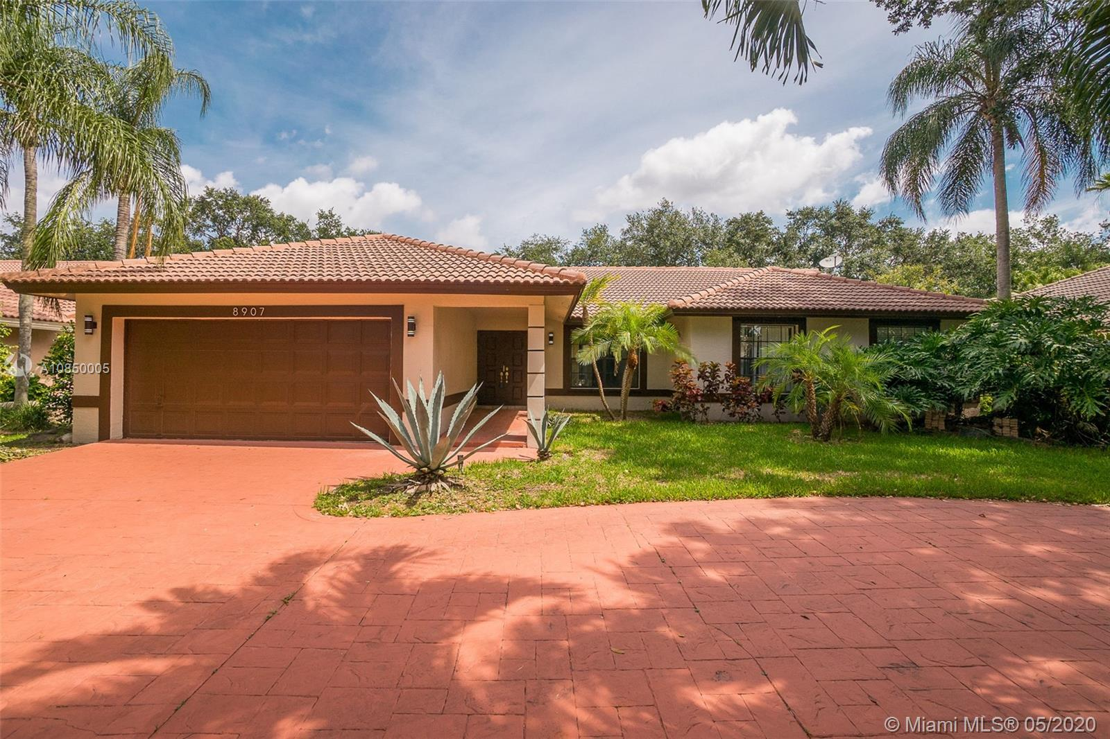 8907 NW 55th Pl, Coral Springs, FL 33067