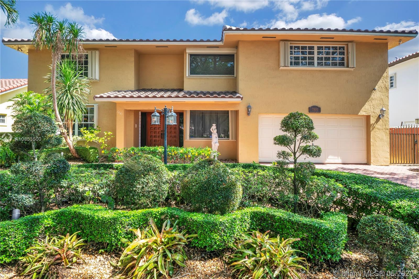 7881 NW 169th Ter  For Sale A10853500, FL