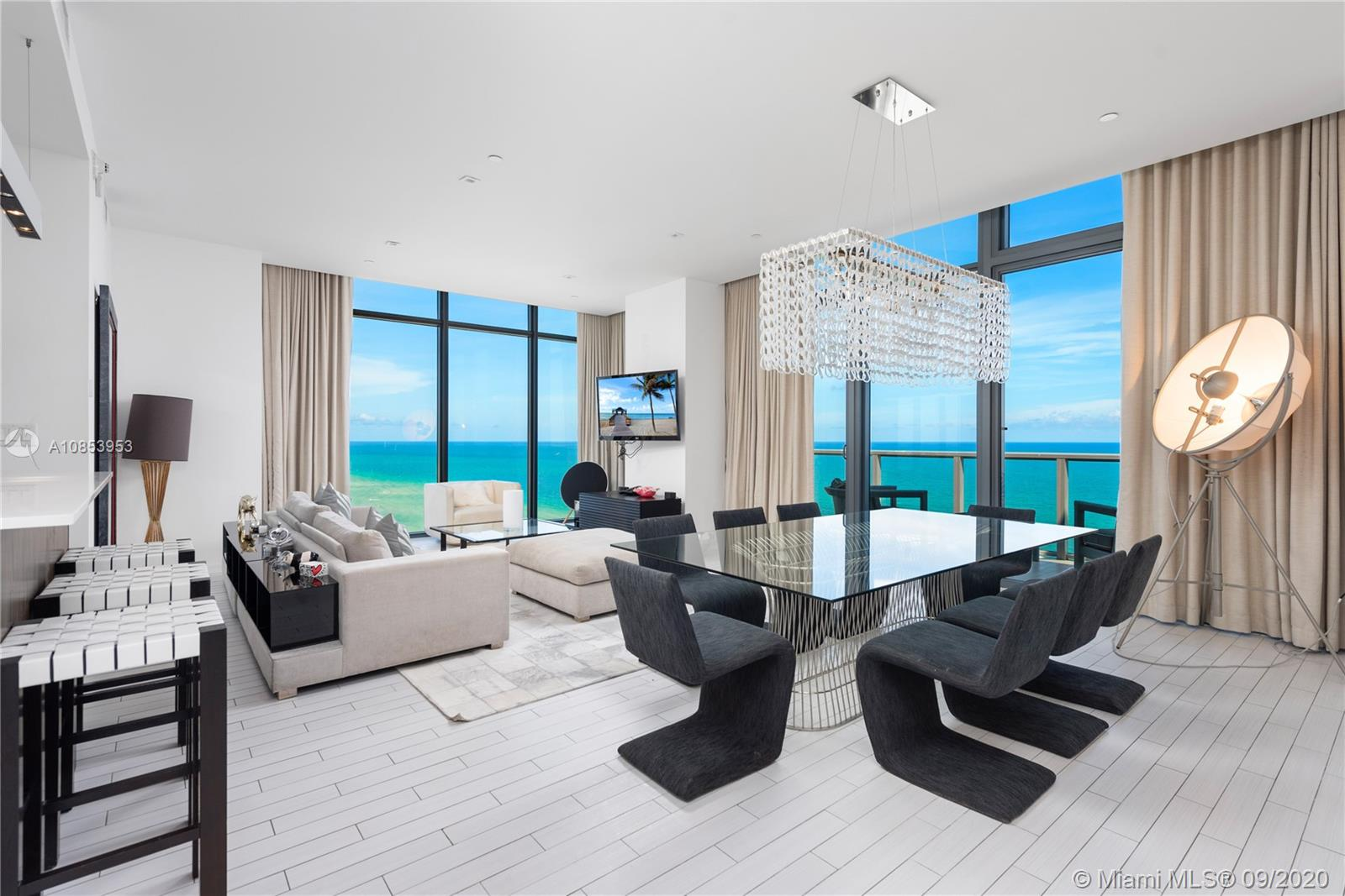 2201  Collins Ave #2006/UPH For Sale A10853953, FL