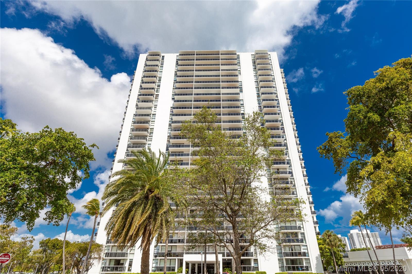 3675 N Country Club Dr #110 For Sale A10850206, FL