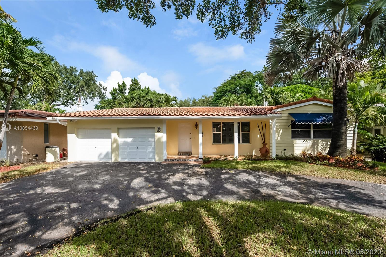 921  Alava Ave  For Sale A10854439, FL