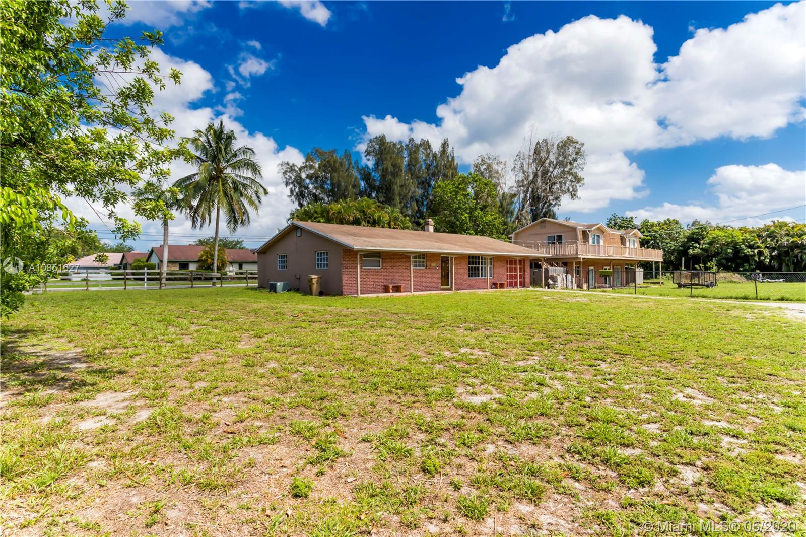 2700 SW 121st Ter  For Sale A10851627, FL