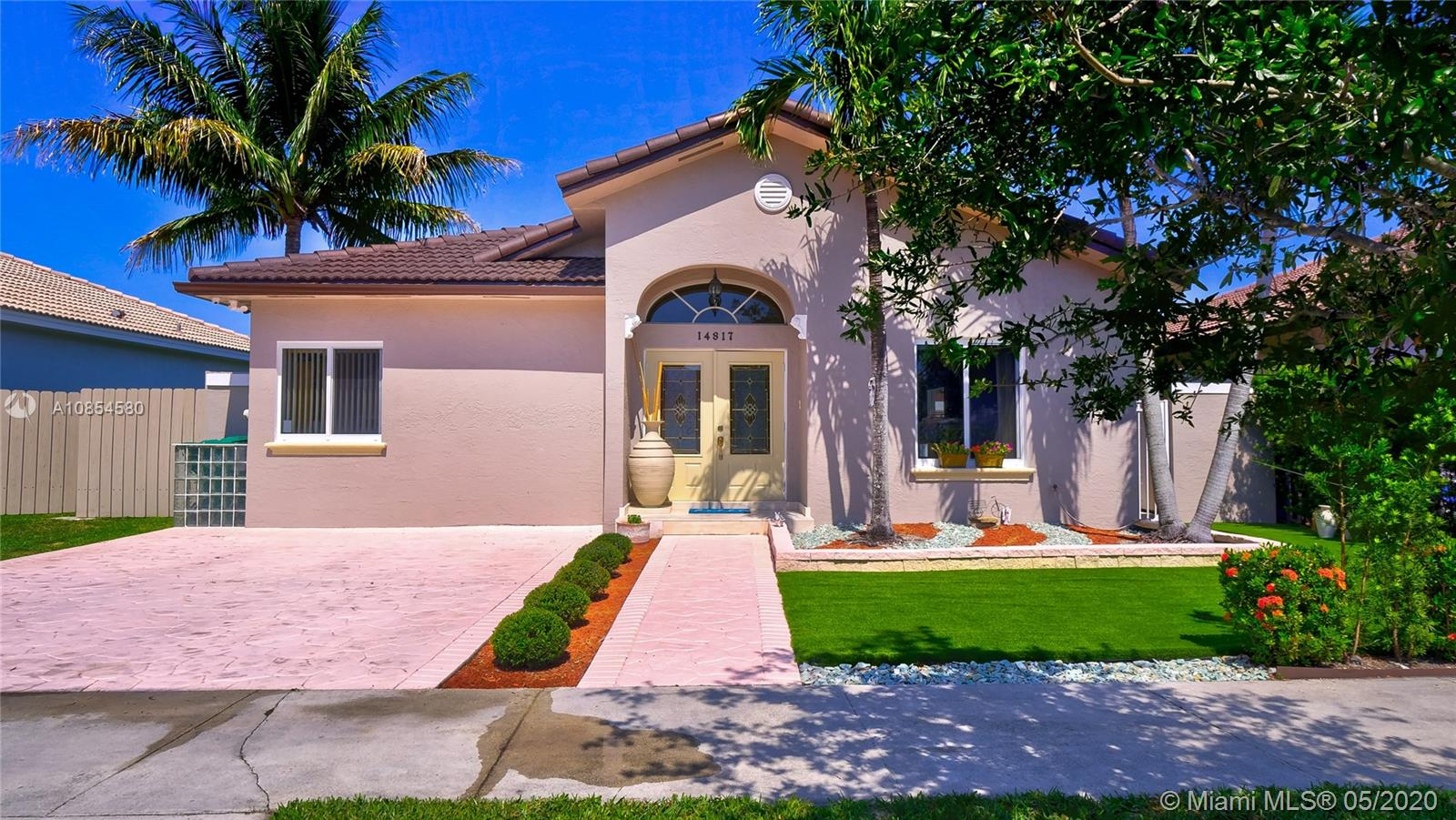 14817 NW 89th Ave  For Sale A10854580, FL