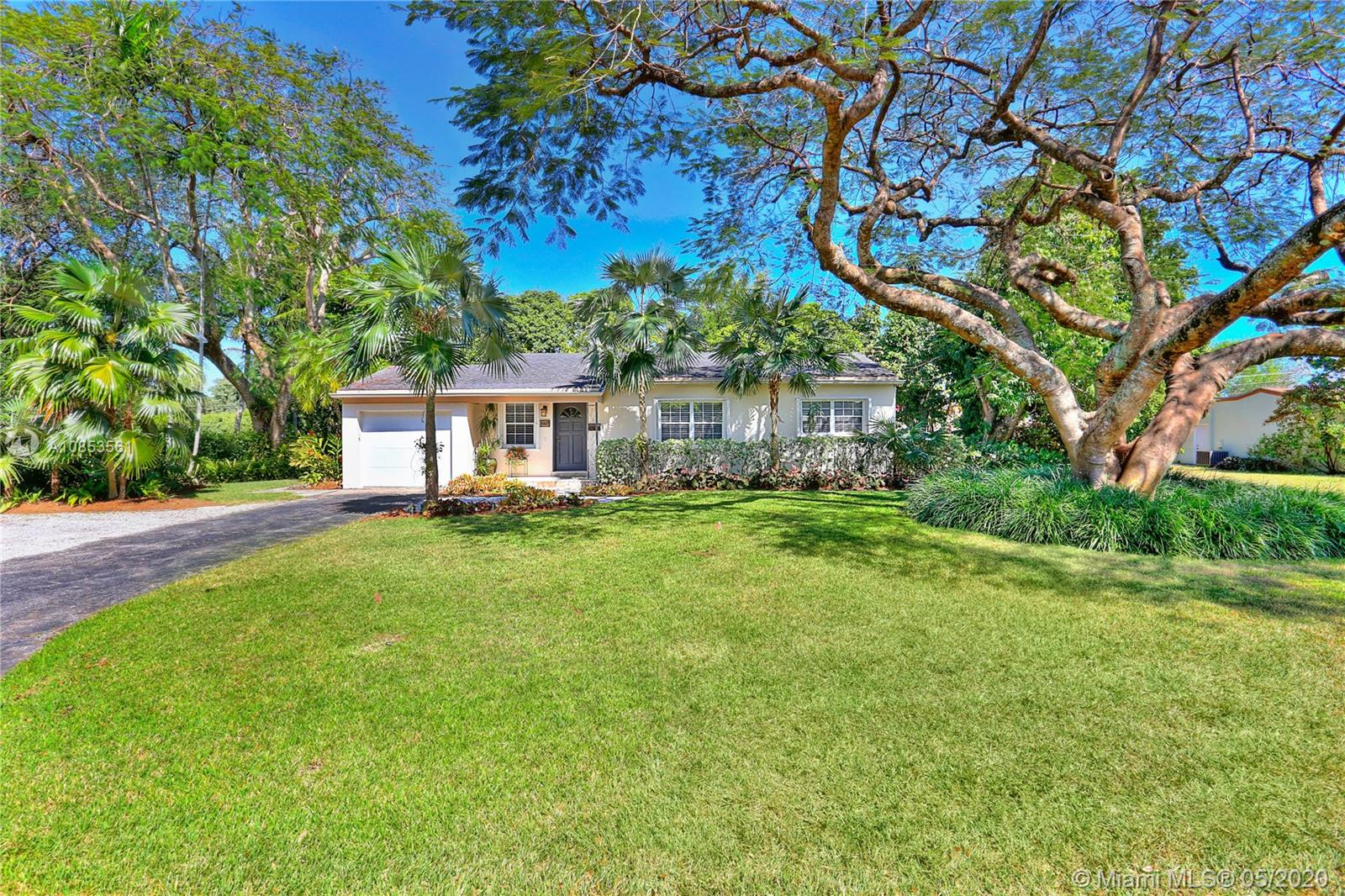 5827 SW 69th Ct  For Sale A10853561, FL