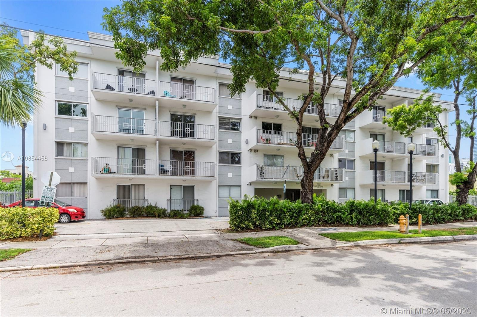 445 SW 11 St #401 For Sale A10854458, FL