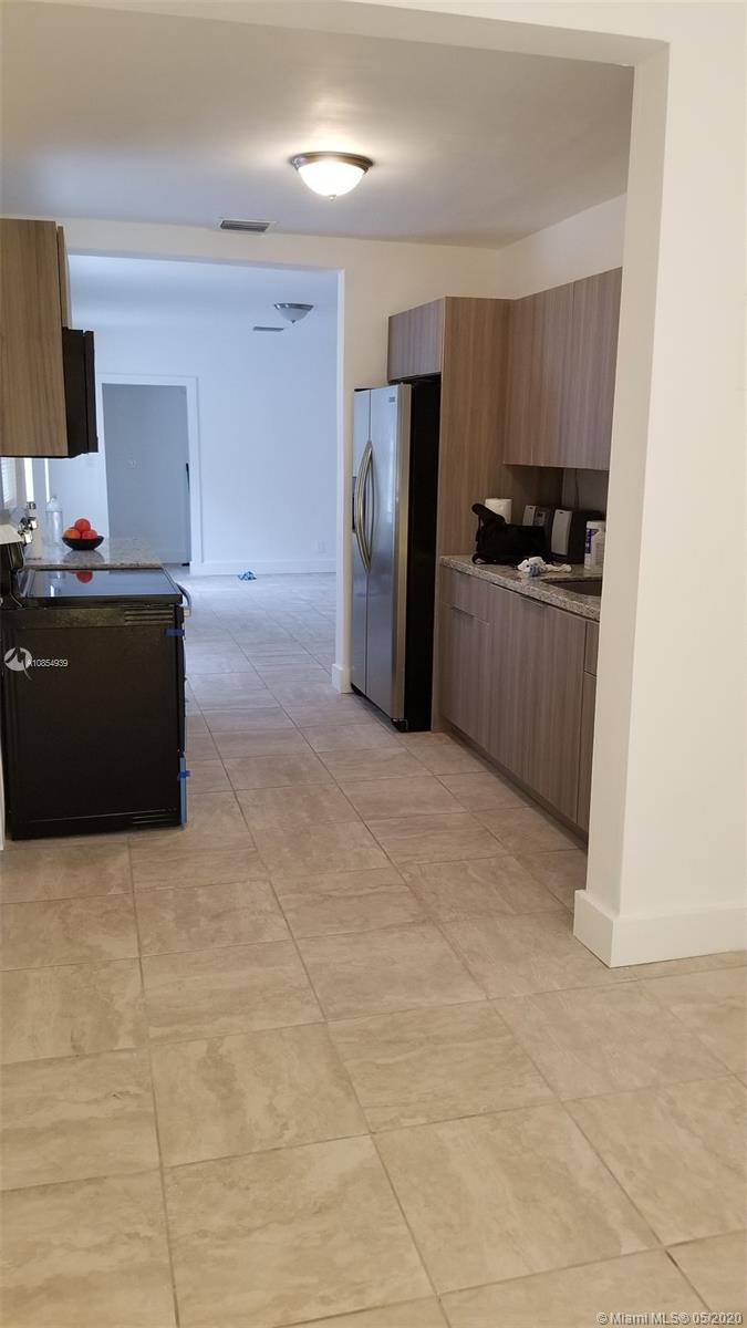3240 NW 11th Ave  For Sale A10854939, FL