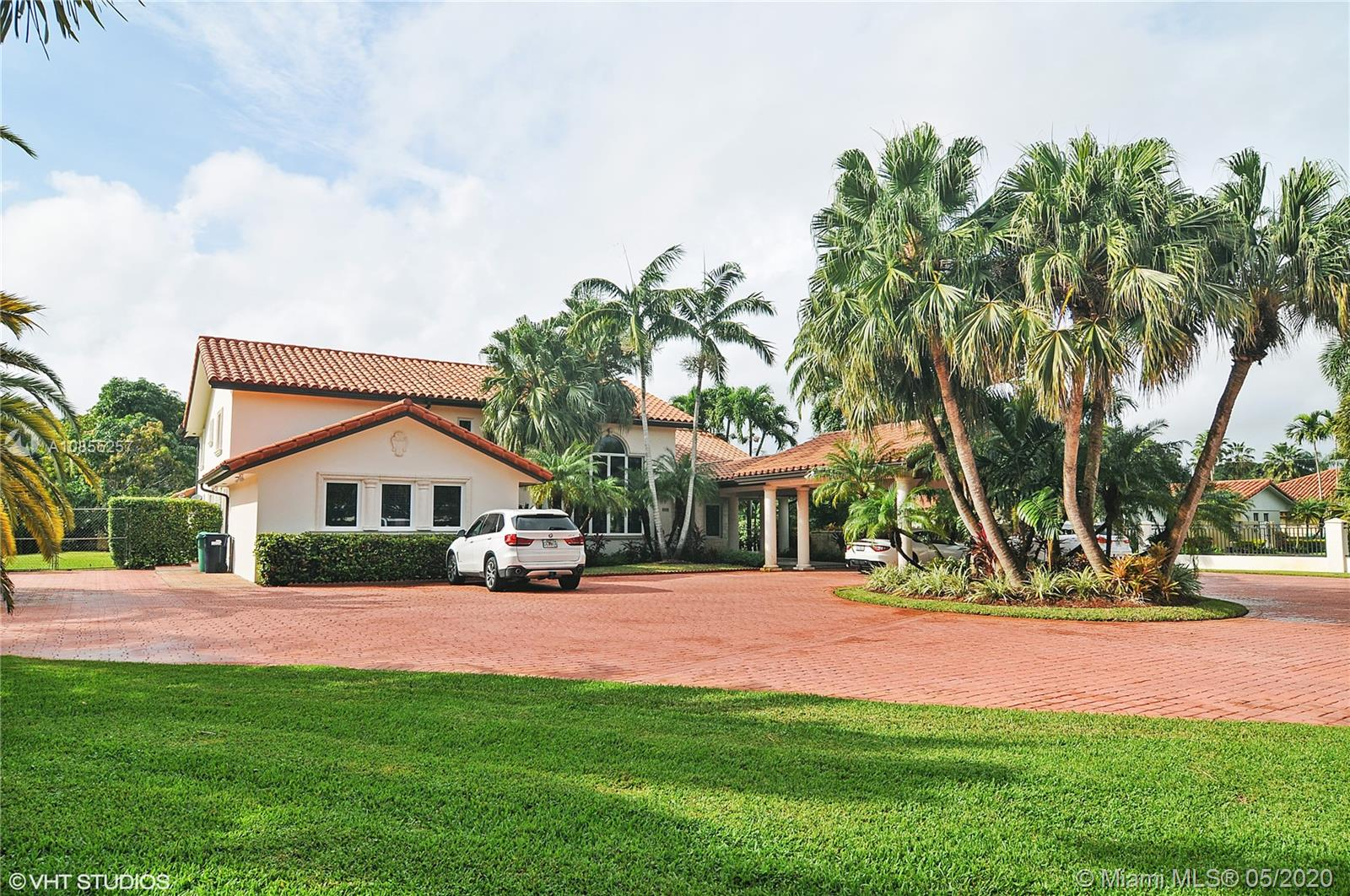 8890 SW 60th Ave  For Sale A10855257, FL