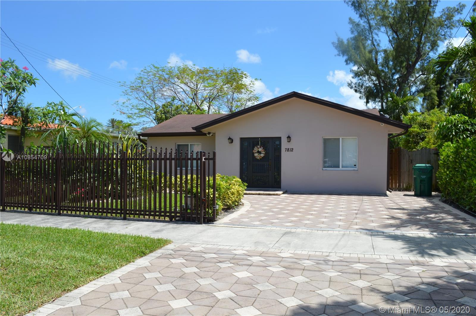 7812  Grand Canal Dr  For Sale A10854709, FL