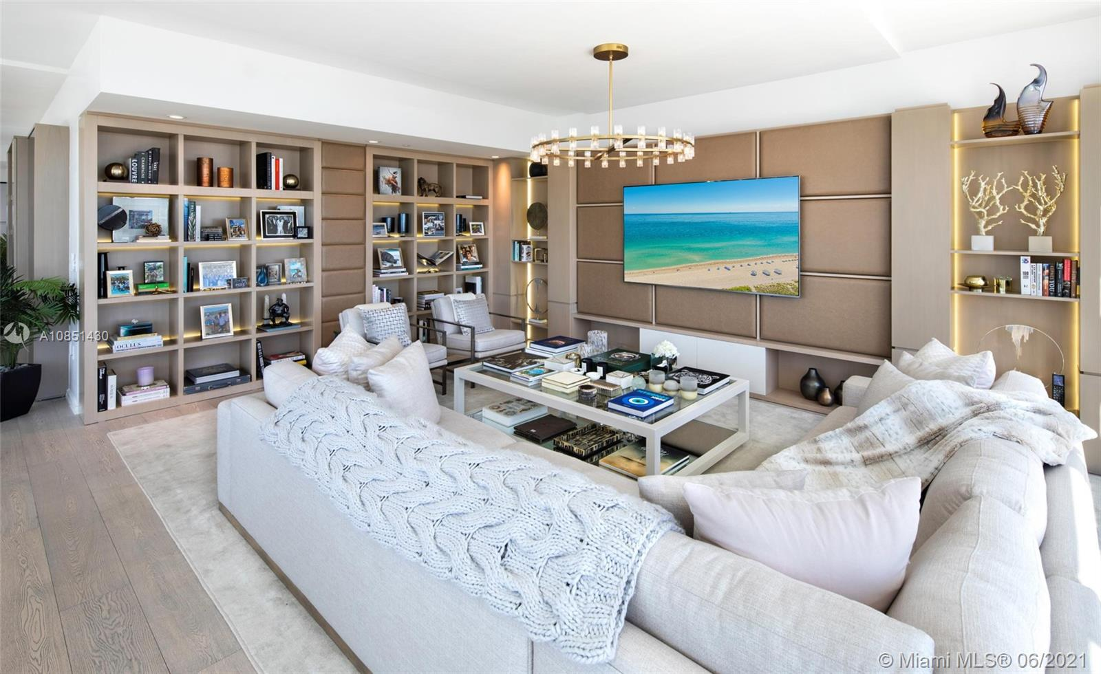 300  Collins Ave #PH3 For Sale A10851430, FL