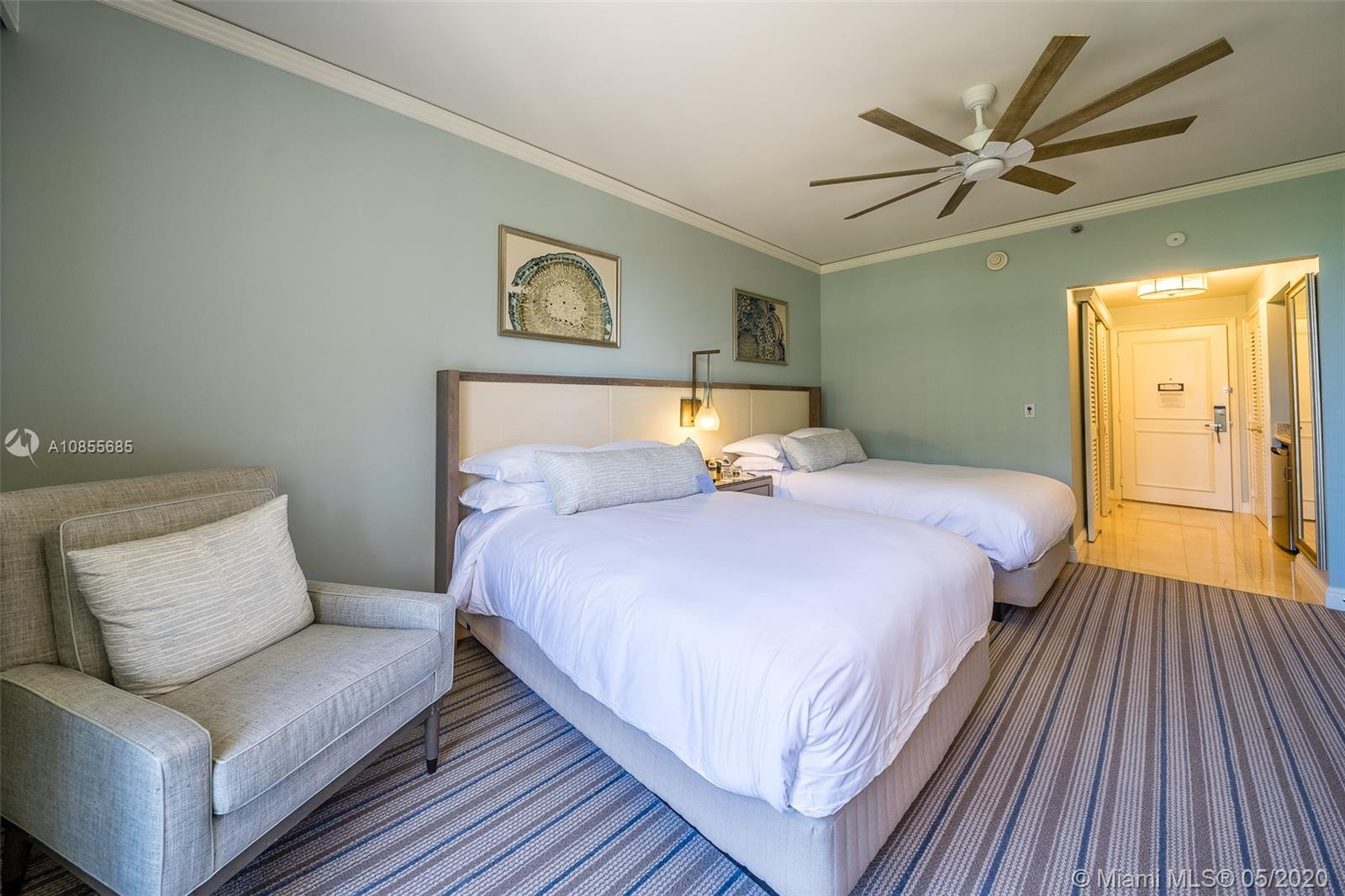 Take advantage of this great opportunity to rent an OCEAN VIEW STUDIO AT THE RITZ-CARLTON HOTEL in Key Biscayne. This unit has been renovated and is fully furnished as a hotel room. Enjoy your vacation in this luxurious condo hotel residence while having access to all of the hotel amenities.