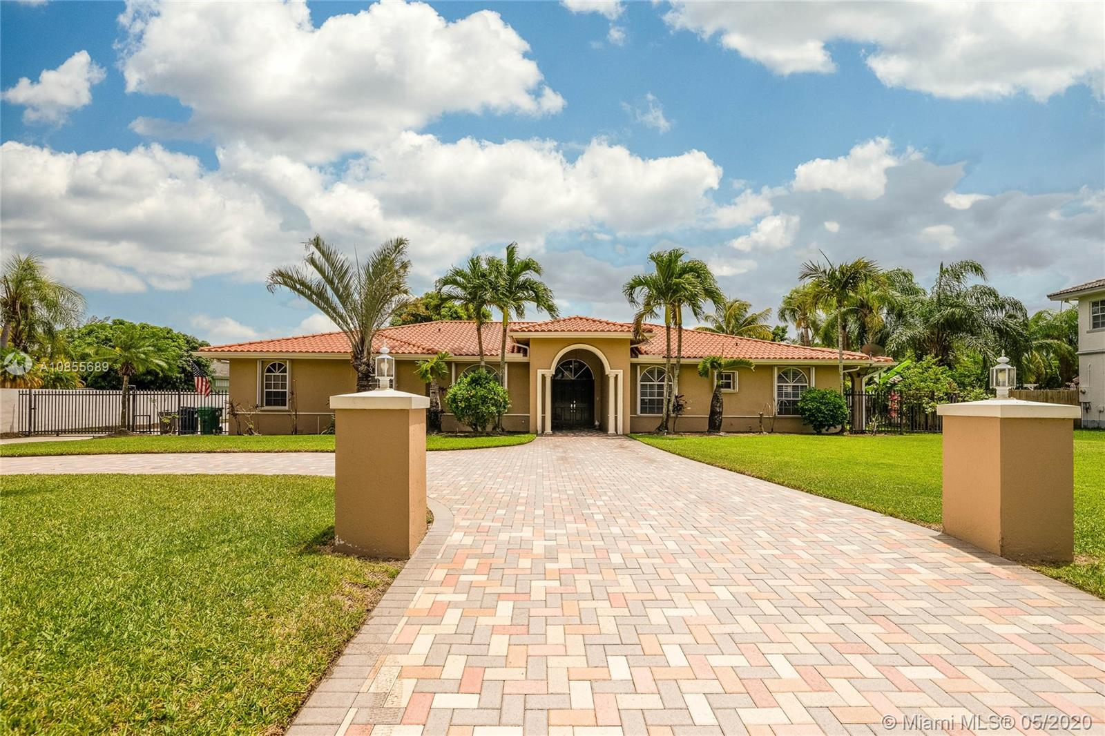 7750 SW 184th Ter  For Sale A10855689, FL