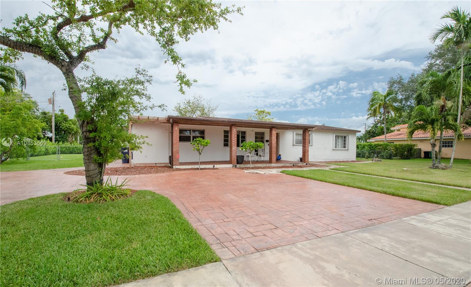 11501 SW 107th Ct  For Sale A10853569, FL