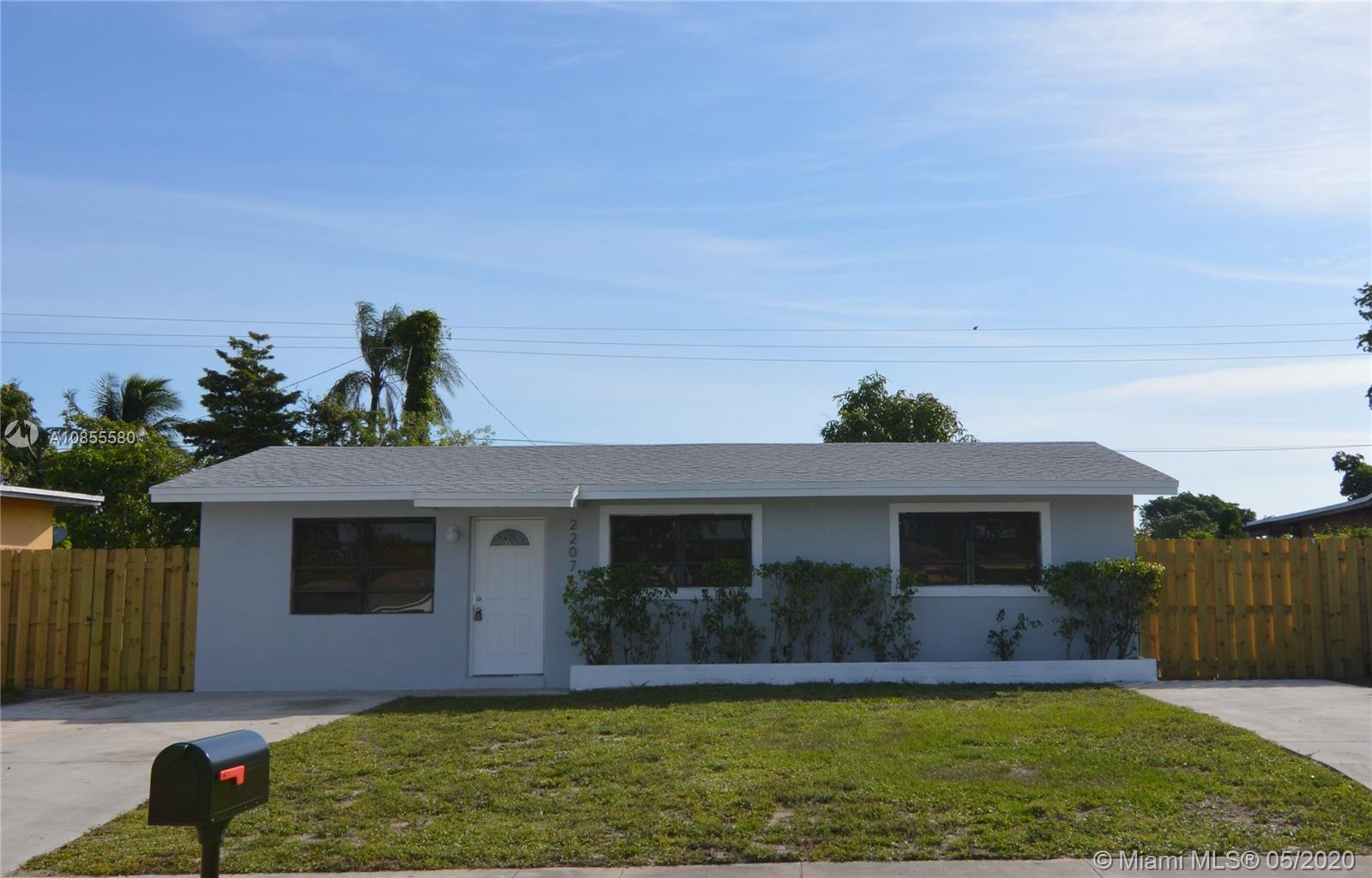 2207 SW 68th Ter  For Sale A10855580, FL