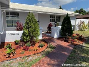 Very nicely remodeled 3 bed room 3 bath 2 car garage home with a pool !!Close to very good school!! new flooring, newly painted and new appliances . Home is currently vacant and ready for immediate occupancy by the new owner. Send your offer!!! Motivated owner !!!
