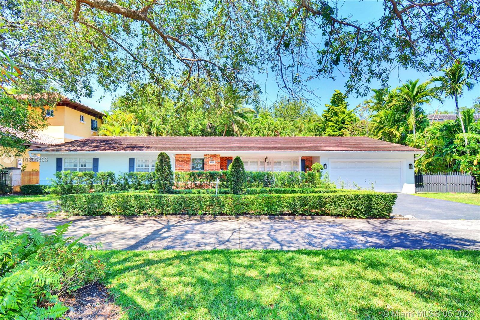 6880  Maynada St  For Sale A10855433, FL