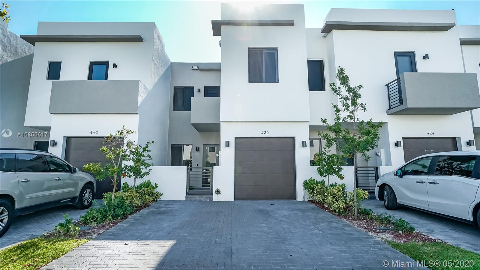 432 SW 91st Ave  For Sale A10855617, FL