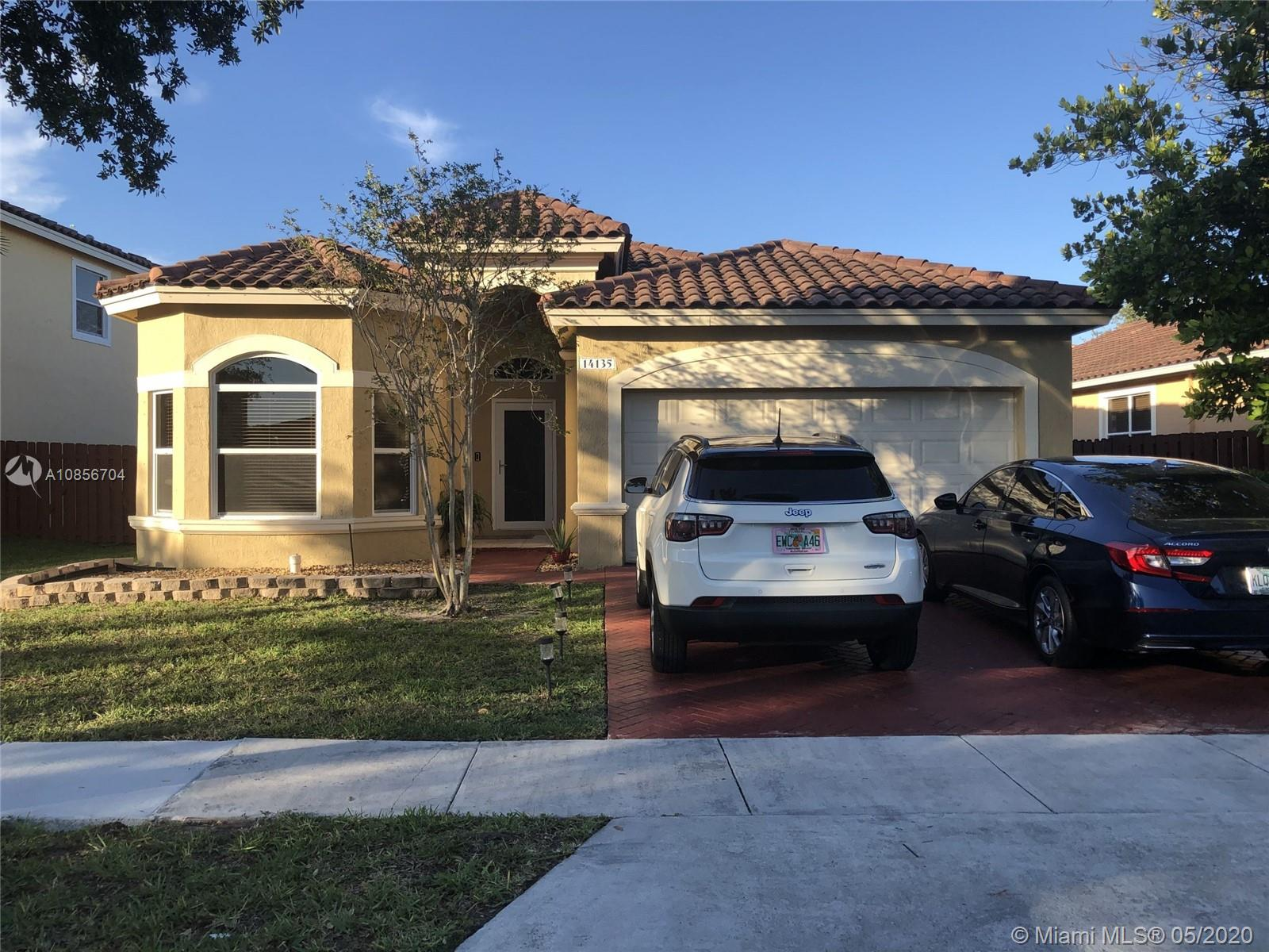 14135 SW 52nd Ln  For Sale A10856704, FL