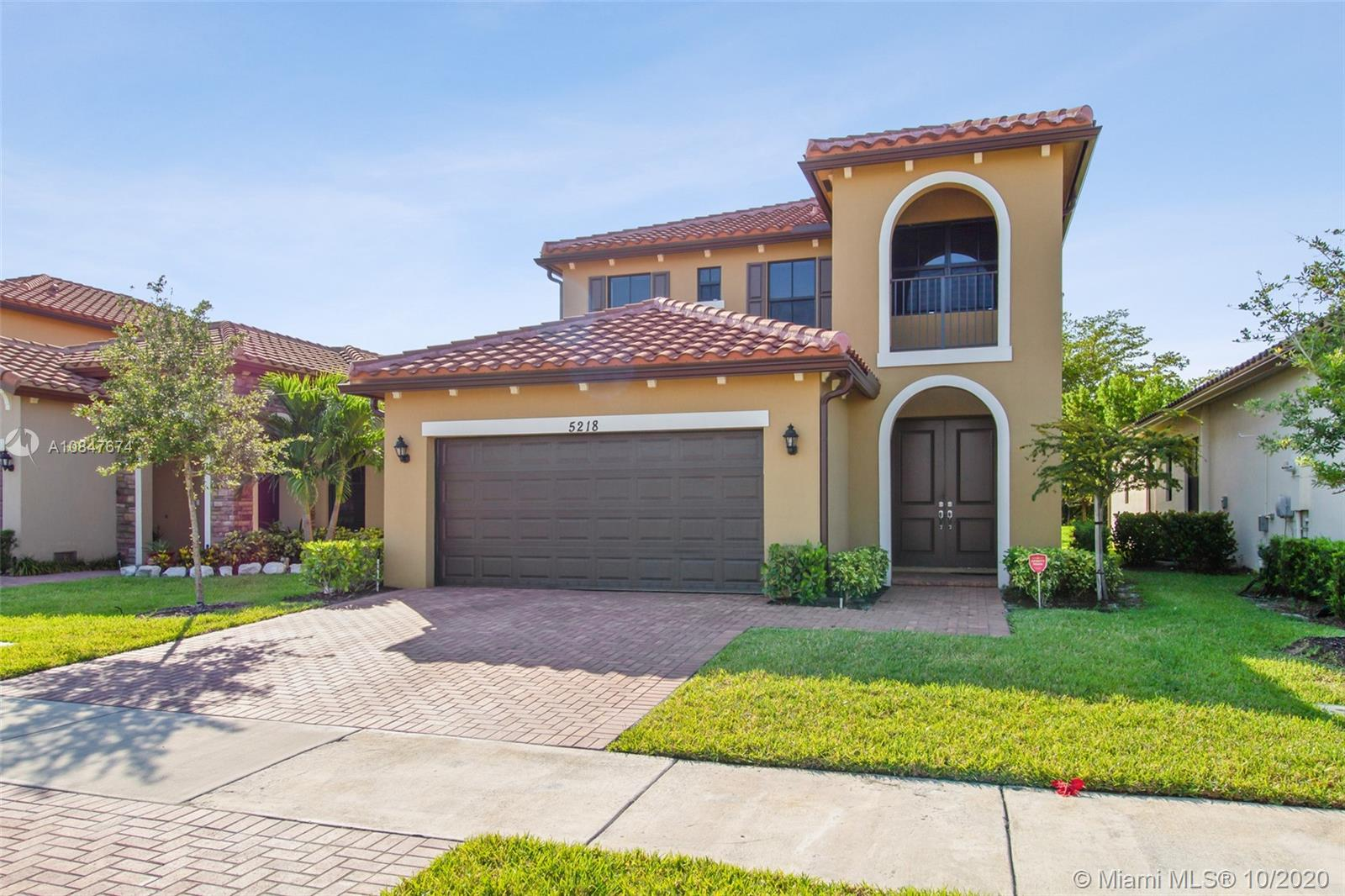 5218 NW 48th Ln  For Sale A10847674, FL