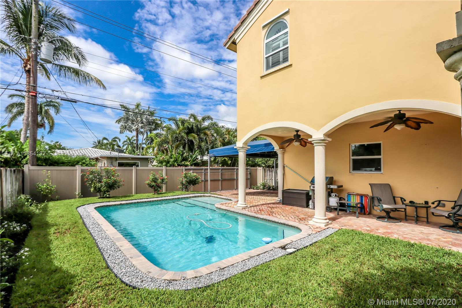 1250  Adams St  For Sale A10854192, FL