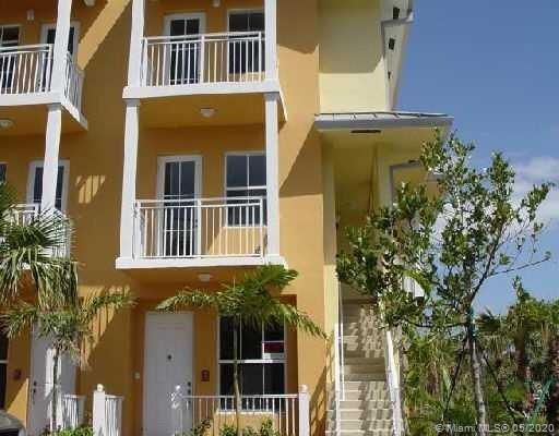256 SW 14th Ave #256 For Sale A10856884, FL