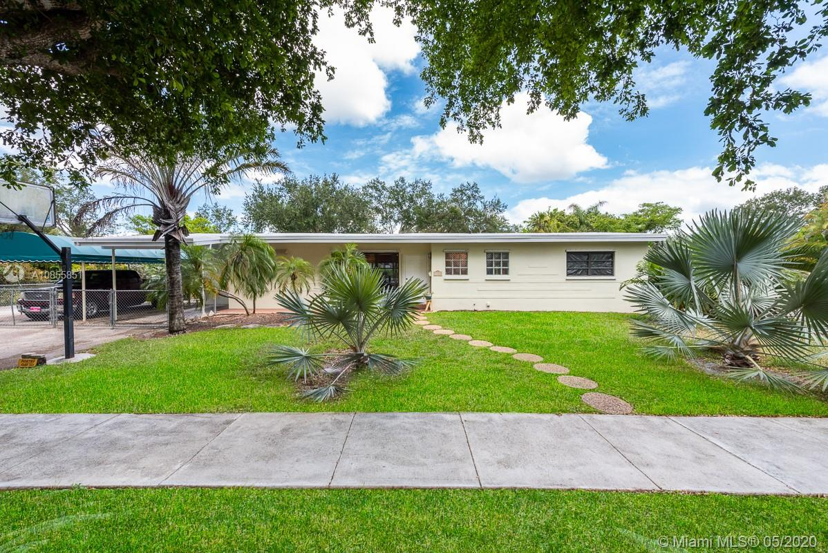 9355 SW 82nd Ave  For Sale A10855851, FL