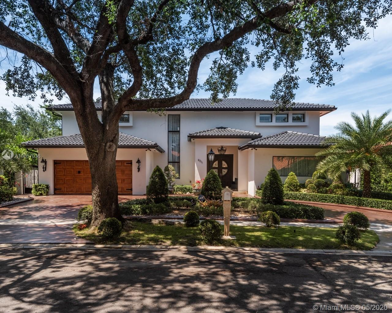 8211 NW 169th Ter  For Sale A10857036, FL