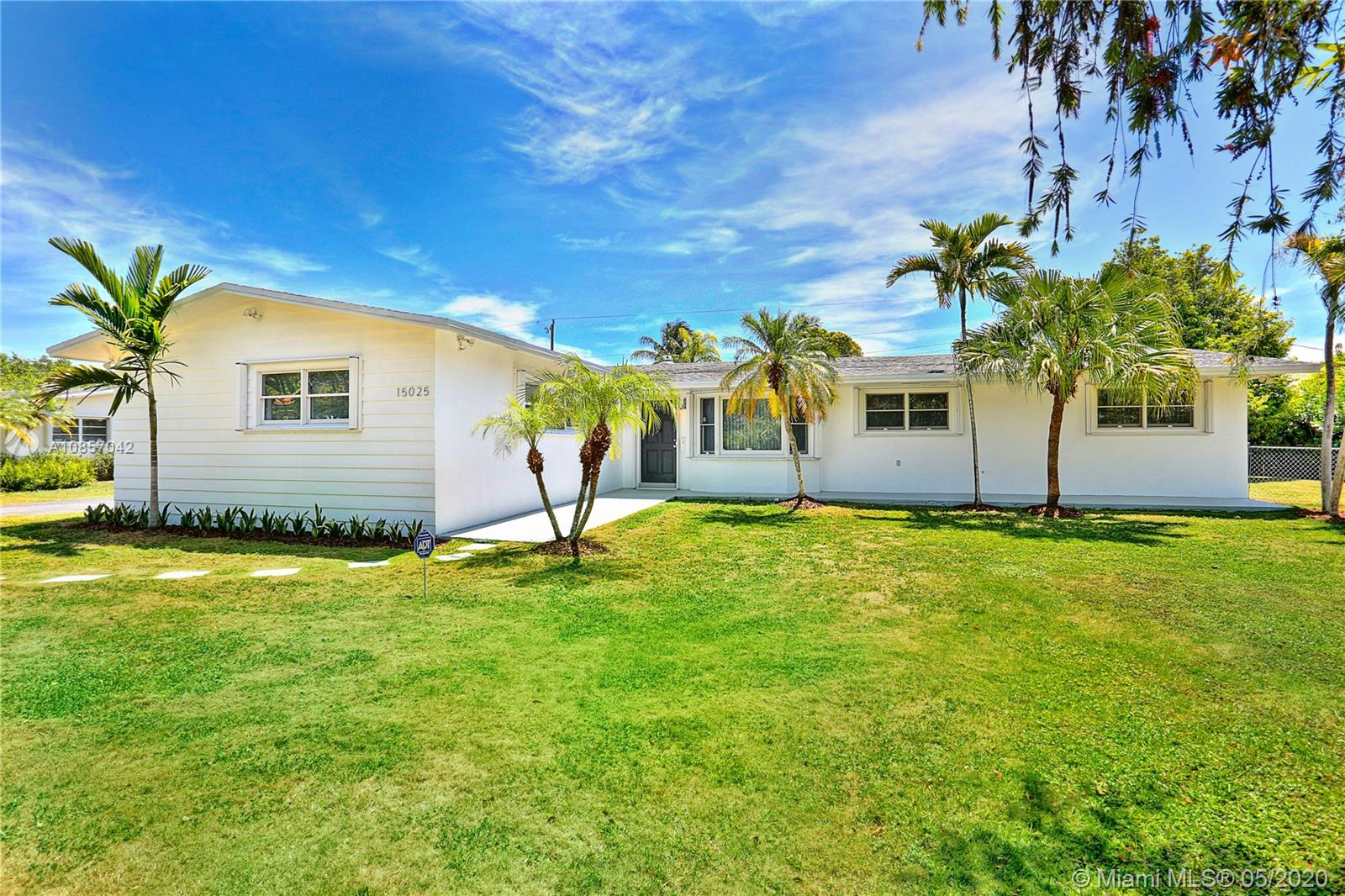 15025 SW 82nd Ave  For Sale A10857042, FL
