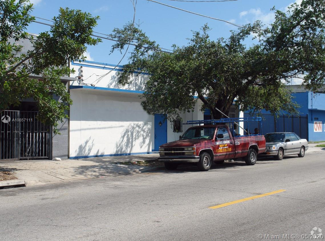 585 NW 71st St, Miami, FL 33150