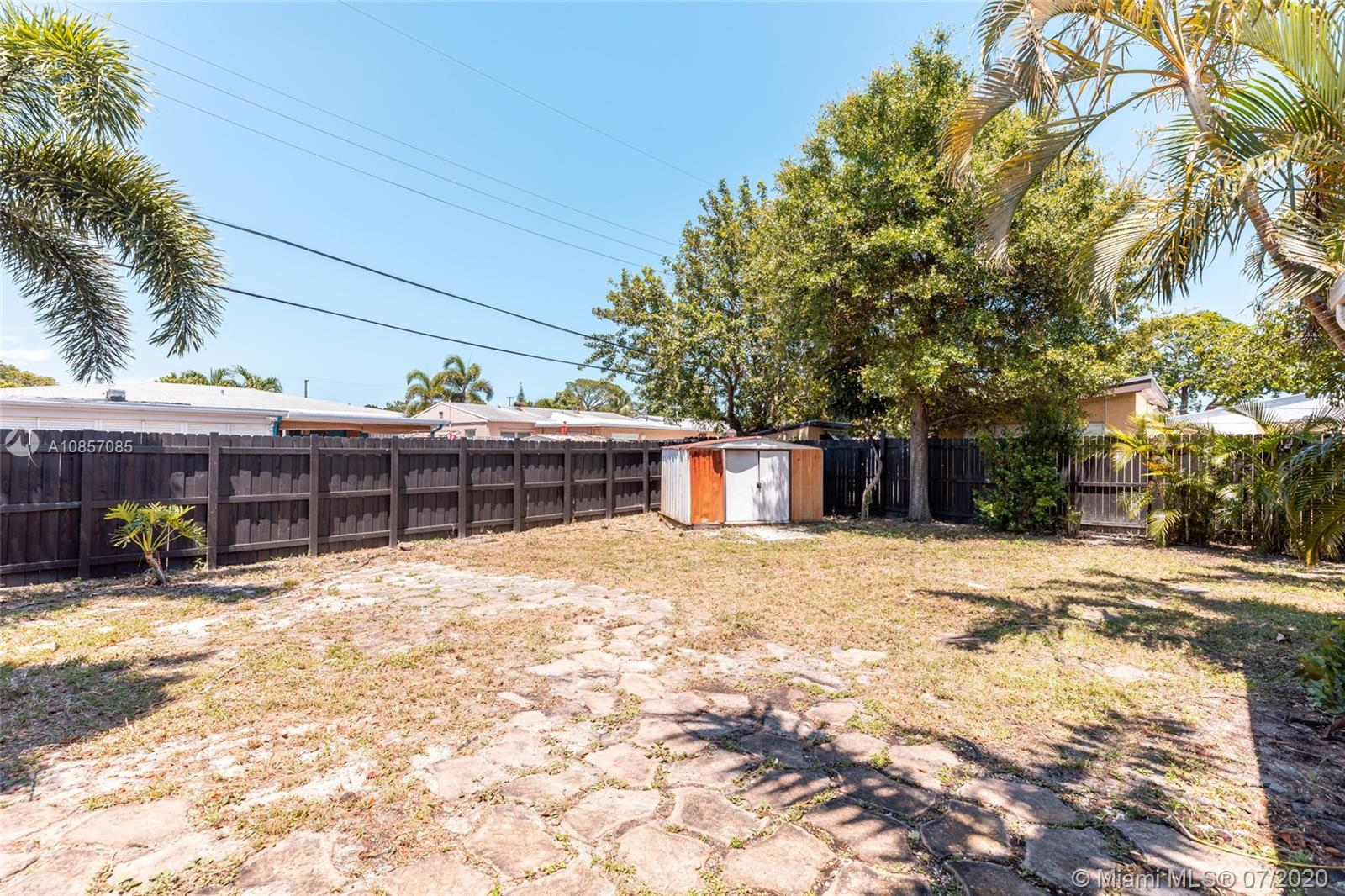 Recently remodeled 2B and 1B home in Oakland Park. Super clean and freshly painted (inside/outside). Brand new stainless steel appliances, granite countertops, and white cabinets. Great family room, and a huge patio with room for a pool. This is a must-see.