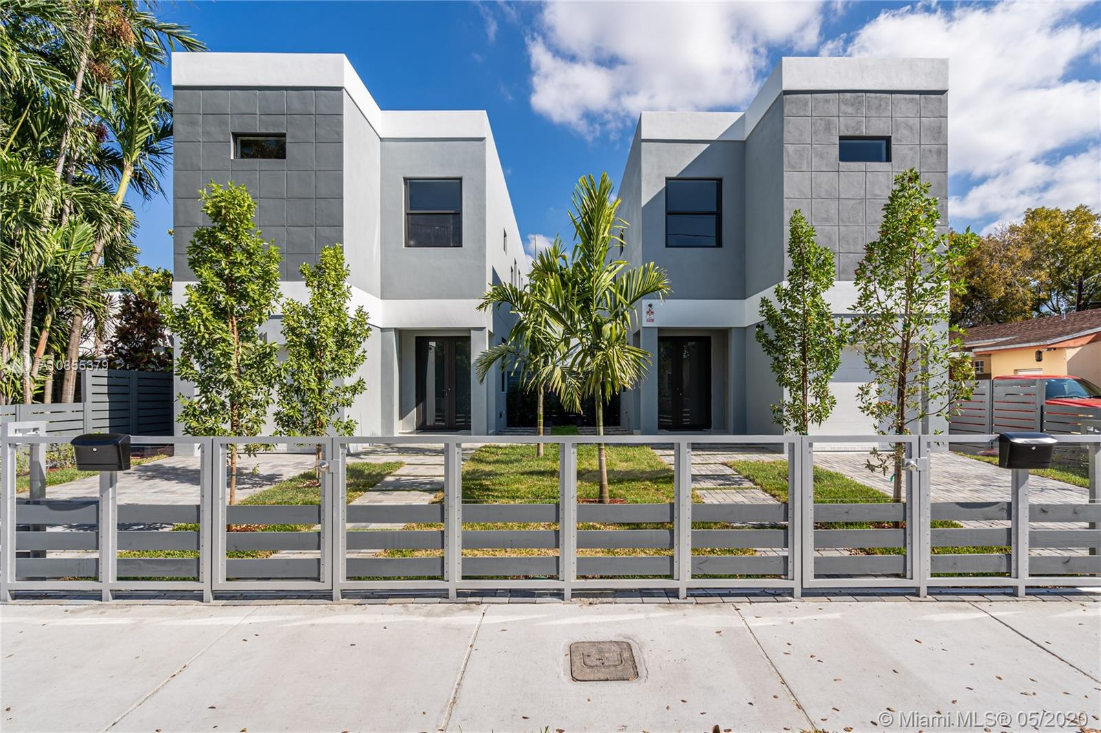 2909 SW 27th Ter #2911 For Sale A10855379, FL