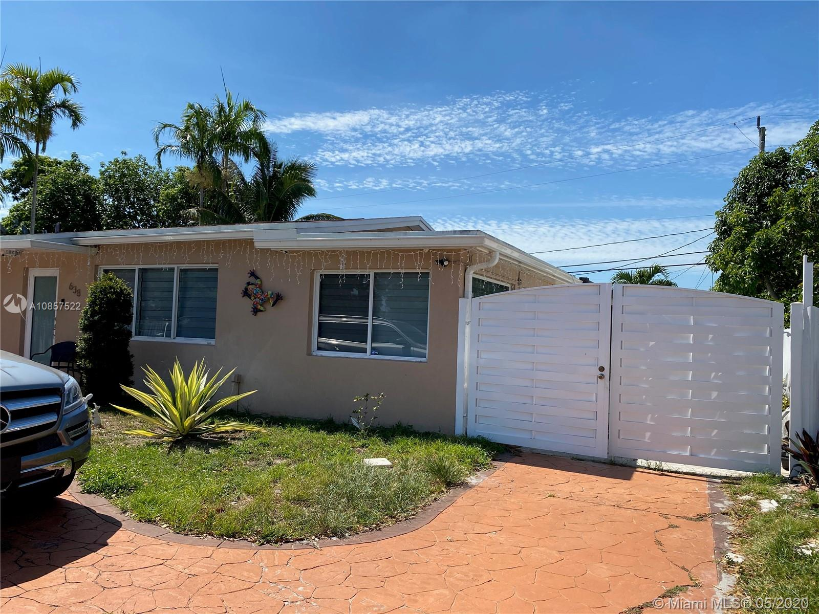 638 W 44th Pl, Hialeah, FL 33012