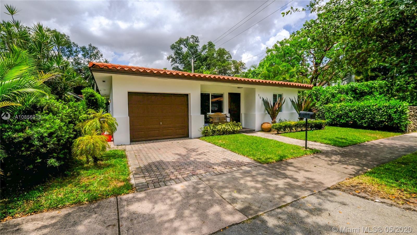 1525  Venetia Ave  For Sale A10856913, FL