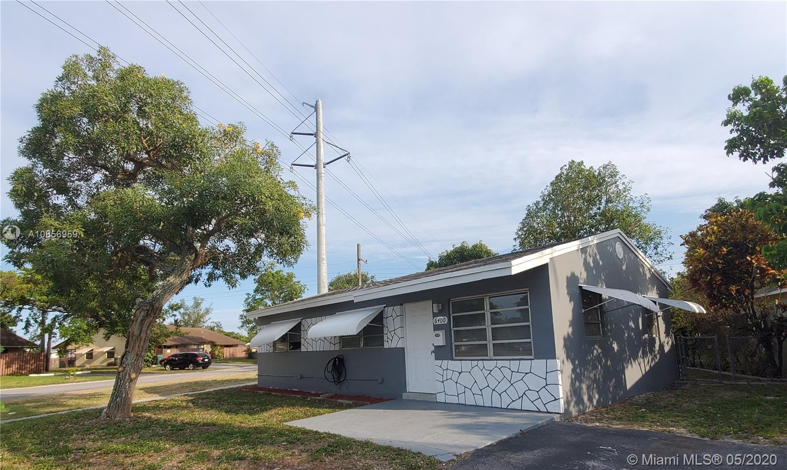 6400 SW 22nd St  For Sale A10856959, FL