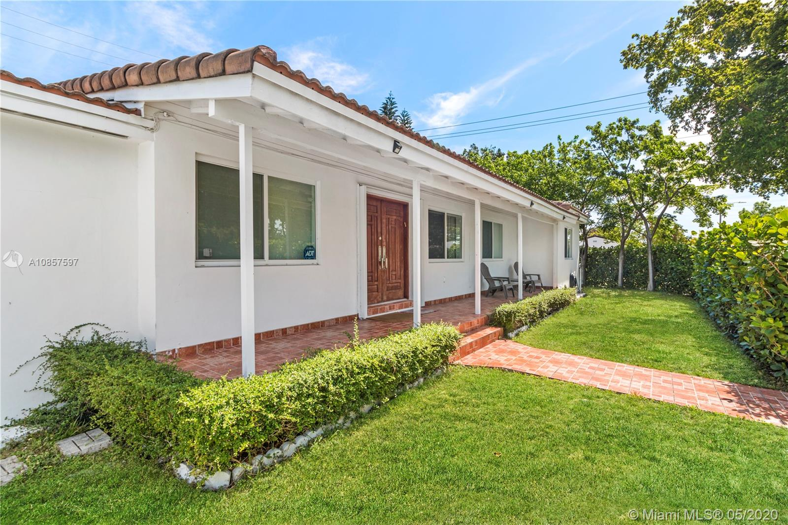 3201 SW 19th Ter  For Sale A10857597, FL
