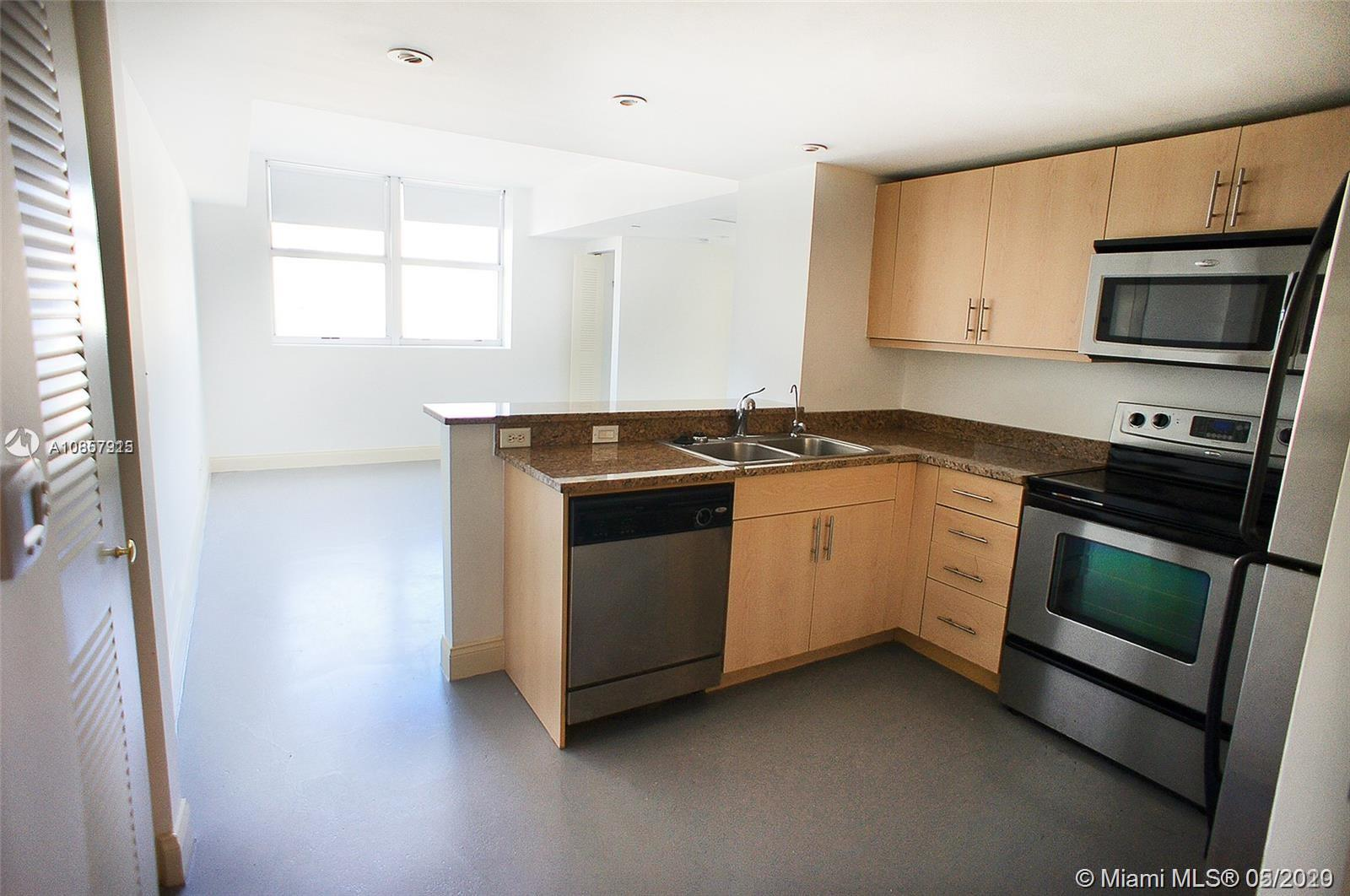 Beautiful, bright and spacious 2 Bed 1 Bath unit in Flagler First Condominium. Located in the heart of Urban Downtown Miami. Features stainless-steel appliances, granite countertops, impact windows, washer, and dryer in the unit. Walking distance to shops, Whole Foods Market, Bayside park, restaurants, and entertainment. The gym is available to residents. Great location walks to metro mover stations and close to the new train station. Easy access to lots of government buildings, office buildings, and retail. Easy to show