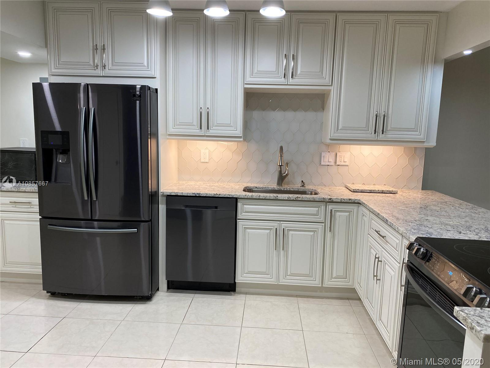 20300 W Country Club Dr #115-3 For Sale A10857667, FL