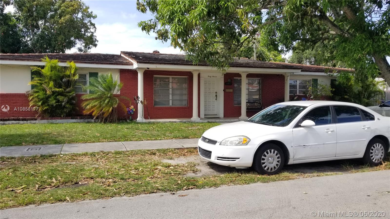 4011 SW 5th Ter  For Sale A10858177, FL