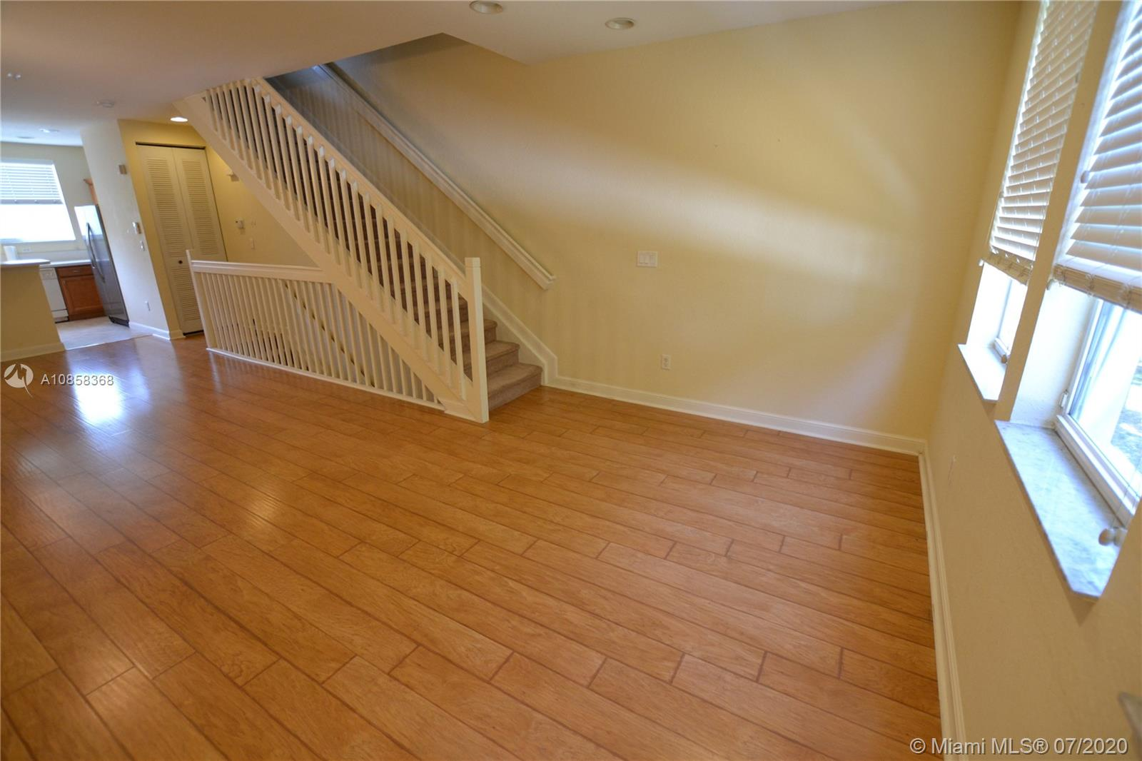 930  Millbrae Ct #4 For Sale A10858368, FL