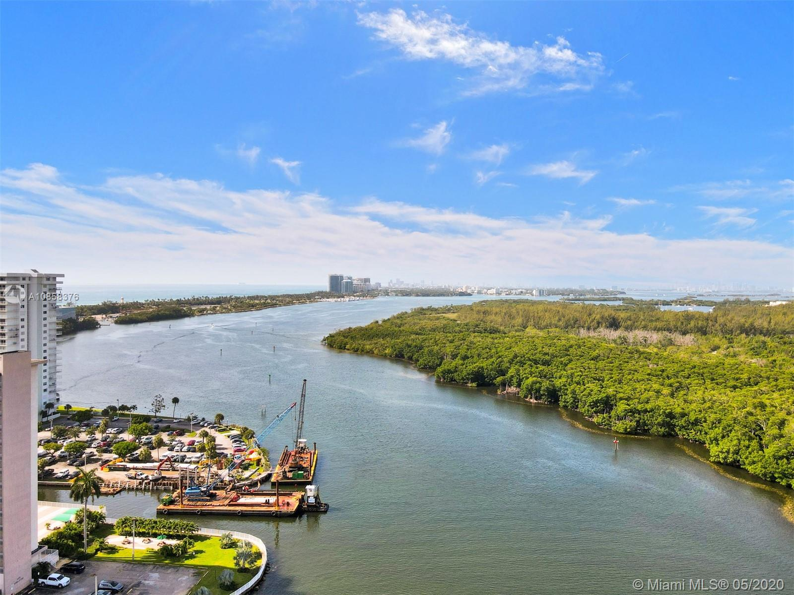 225  Poinciana DR #305 For Sale A10858376, FL