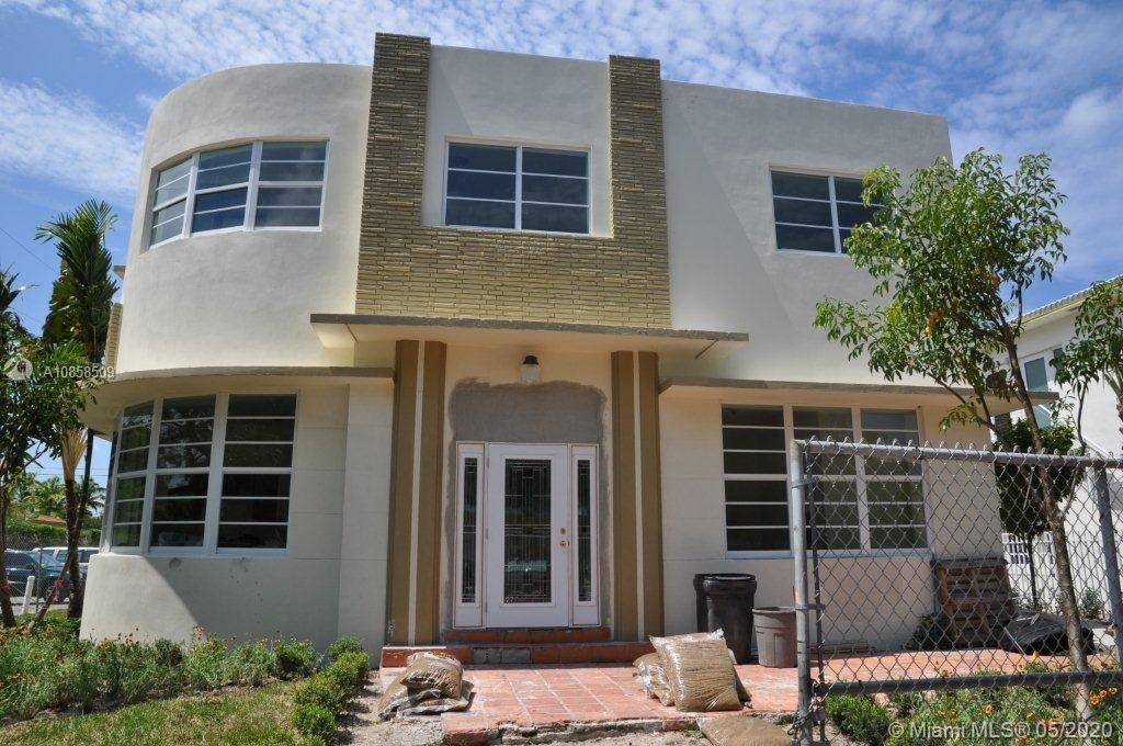 1021  Bay Dr #111 For Sale A10858509, FL