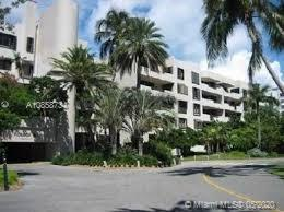 Complete renovated apartment. Luminous, spacious 1 bed 1 1/2 bath. Huge terrace, desirable building in Key Biscayne, with a tropical garden feeling, beach access, swimming pool, tennis courts,  kids playground, gym, and other amenities. Close to schools and mayor shops.